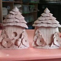 Bird house napkin holder (front and back)